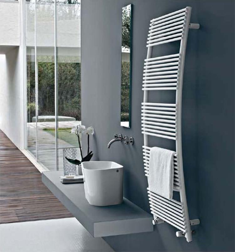 Bathroom radiator with modern design n.12