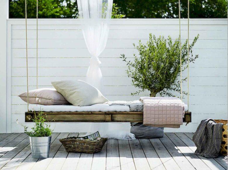 decorating-a-veranda-in-scandinavian-style-examples-10