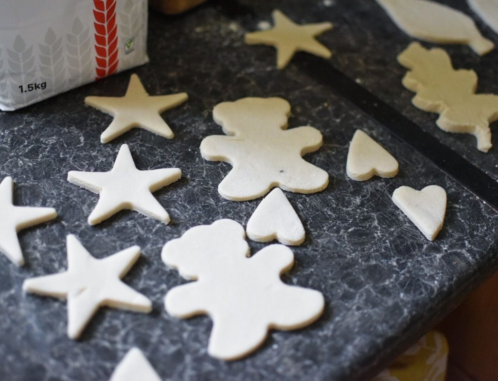 salt-dough-christmas-decorations-31