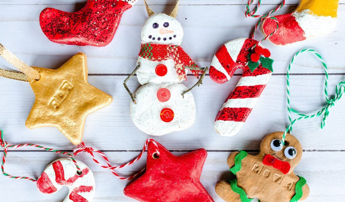 Here's how to make Christmas decorations with salt dough