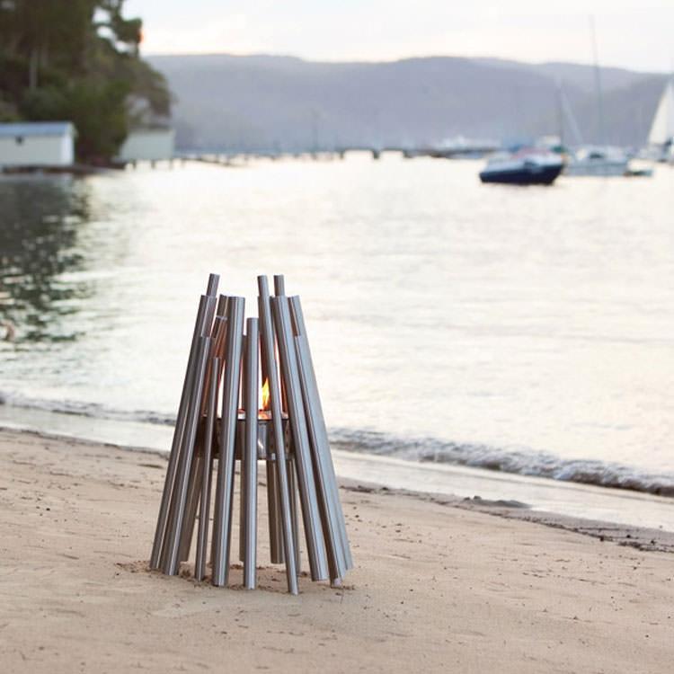 Portable beach or garden bonfire n.01