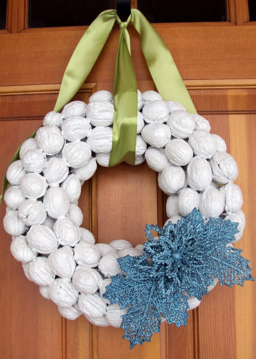 christmas-decorations-with-nuts-22