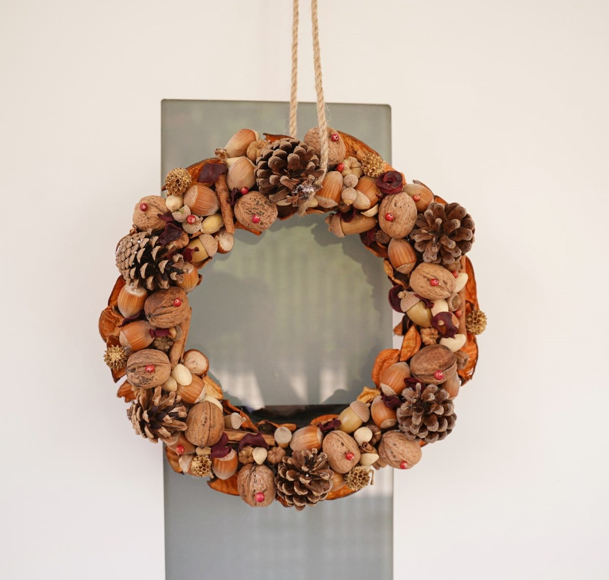 christmas-decorations-with-nuts-25