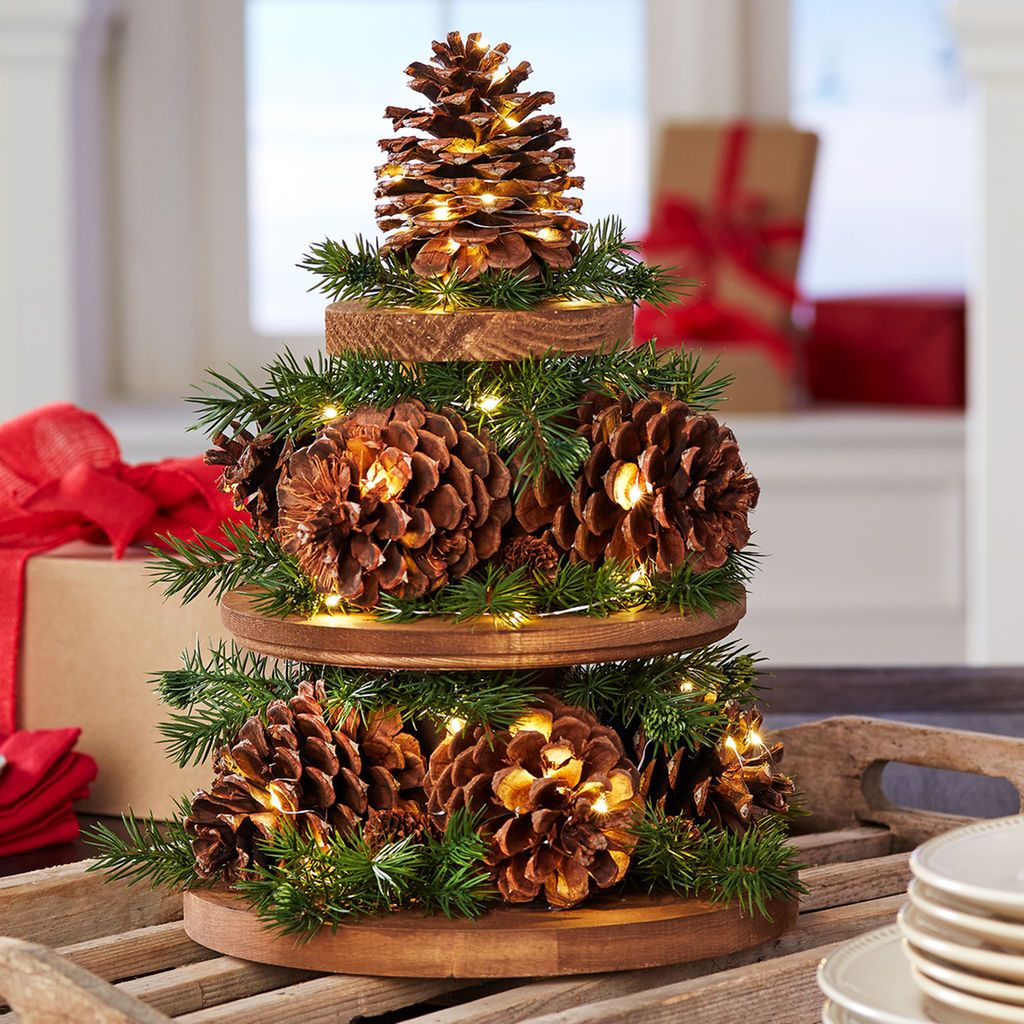 diy-christmas-decorations-with-pine-cones-21