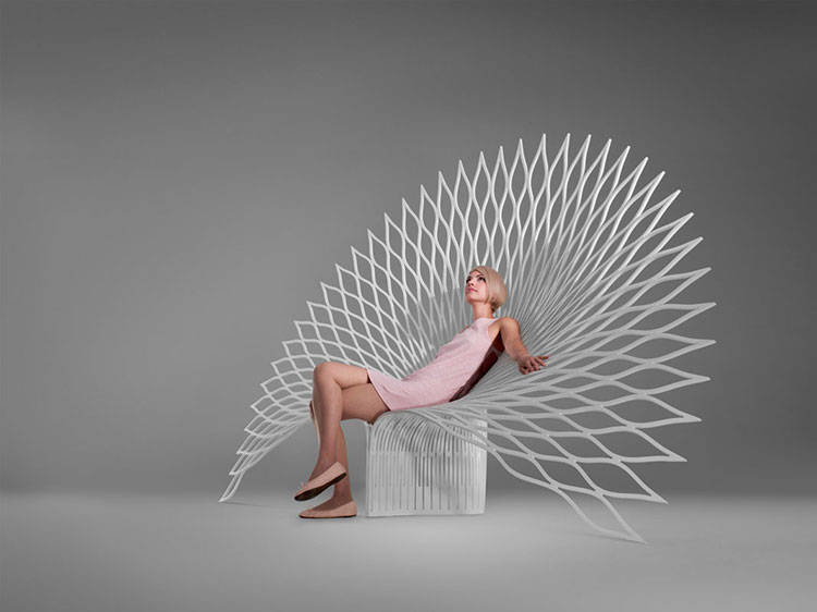 Peacock L armchair by UUfie
