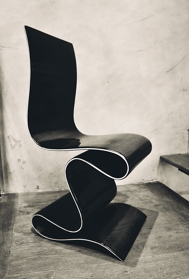 Carbon Chair by Ventury Labs