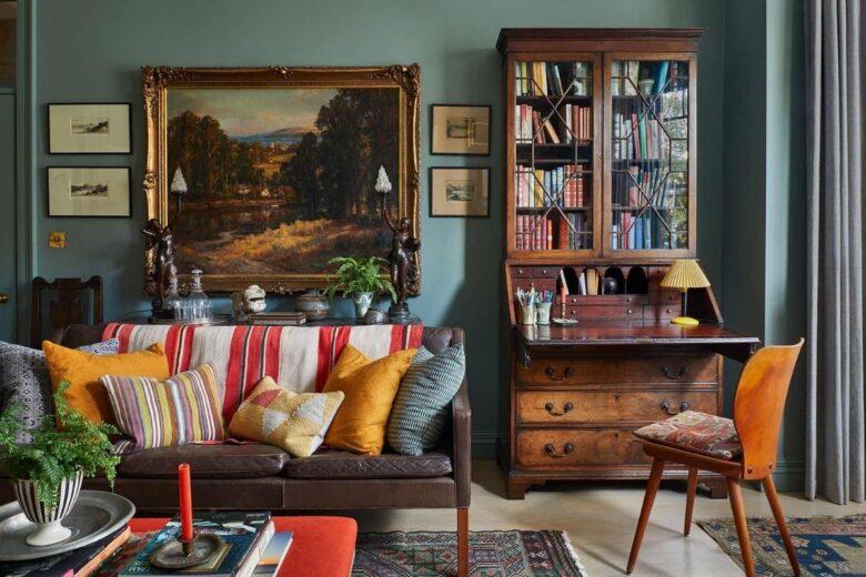 antique-wardrobe-in-modern-house-jpg (15)