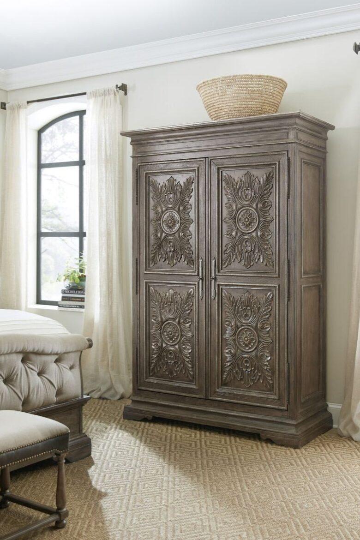 antique-wardrobe-in-modern-house-jpg (4)