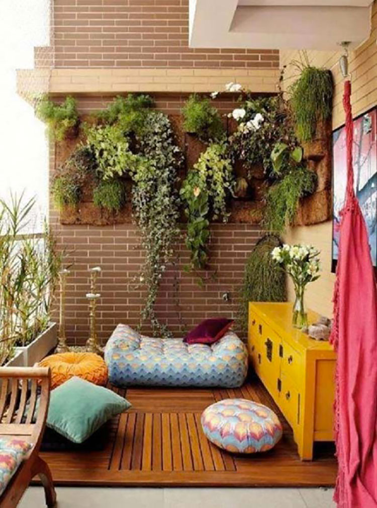 Ideas for decorating small balconies n.13