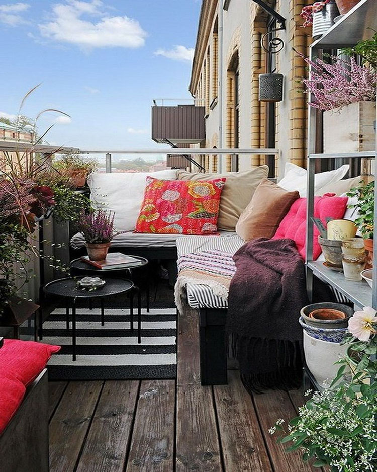 Ideas for decorating small balconies n.17