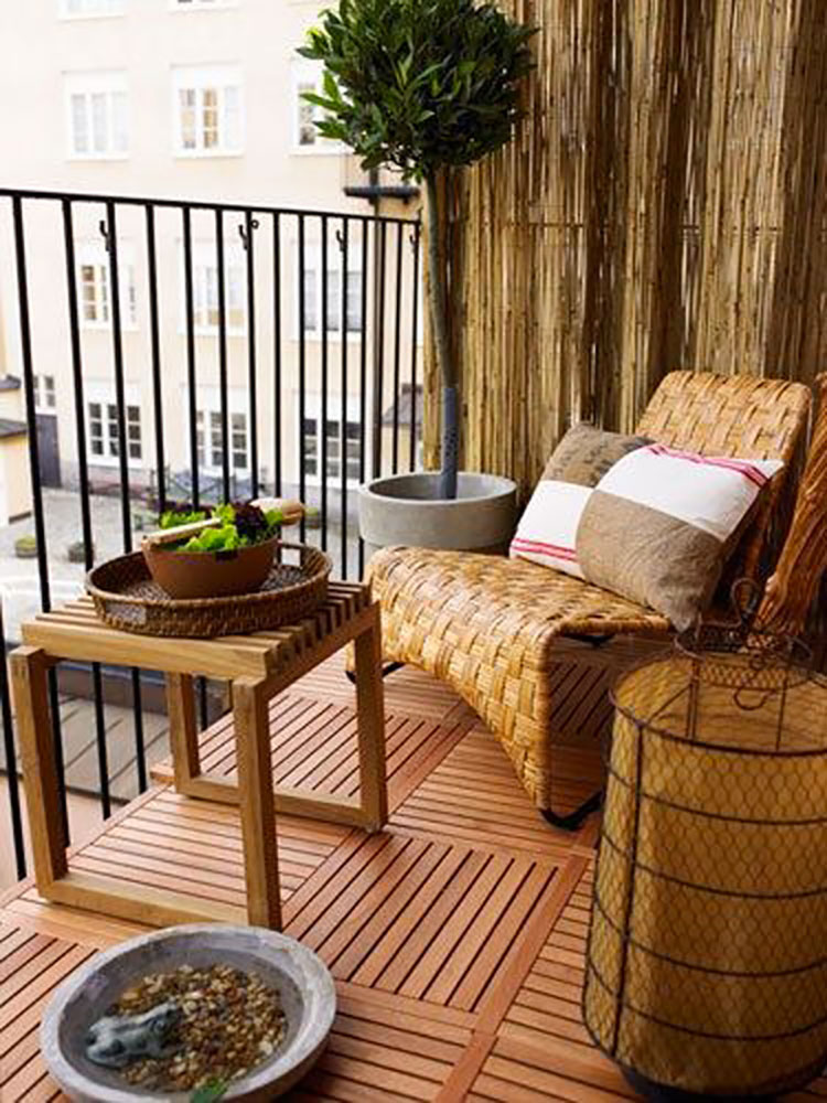 Ideas for decorating small balconies n.18