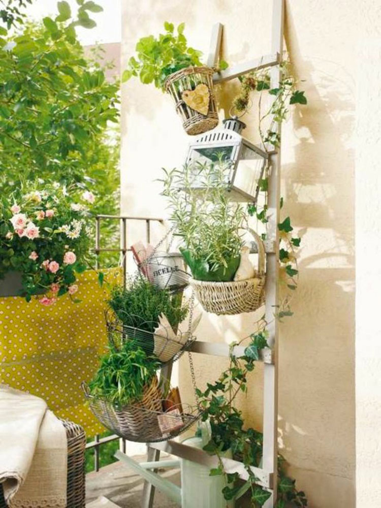 Ideas for decorating balconies n.27