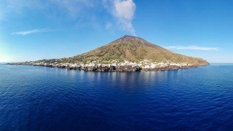 strmboli island
