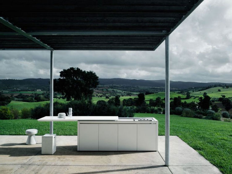 Outdoor kitchen with a modern and functional design n.12