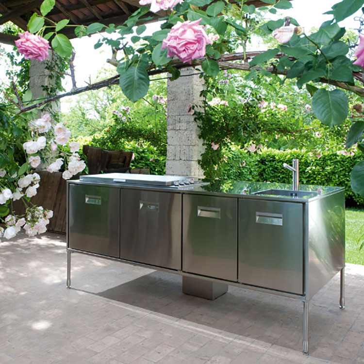 Outdoor kitchen with a modern and functional design n.13