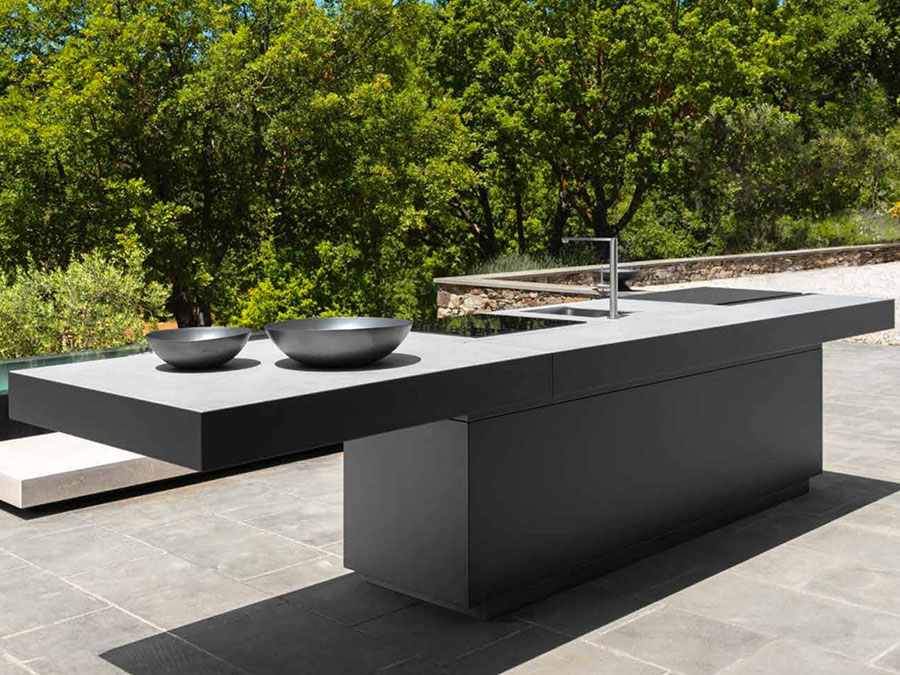 Outdoor kitchen with a modern and functional design n.22