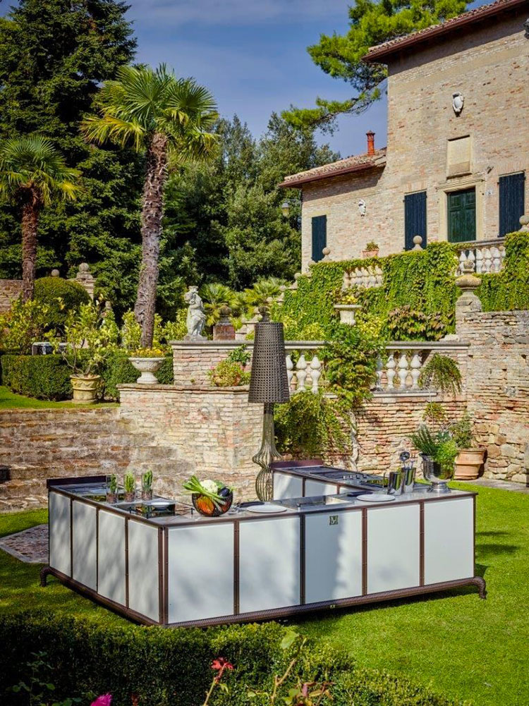 Outdoor kitchen with a modern and functional design n.30