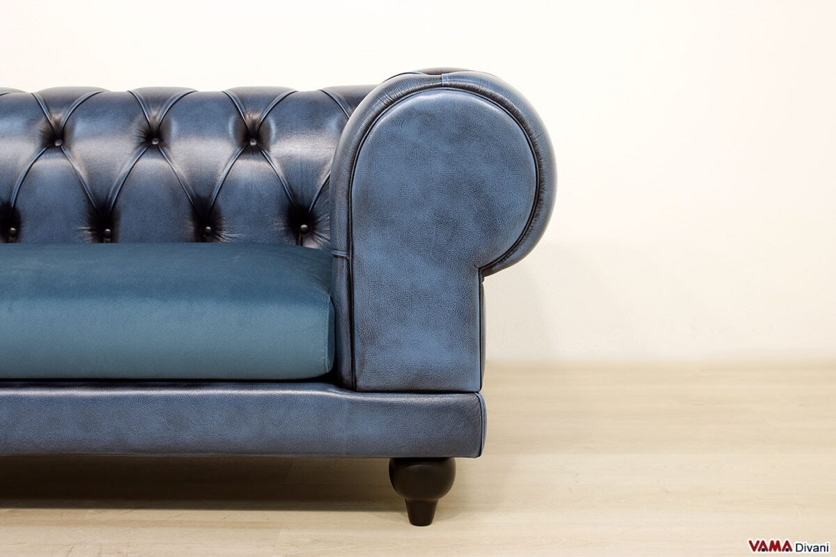 Chester sofa with large modern armrest