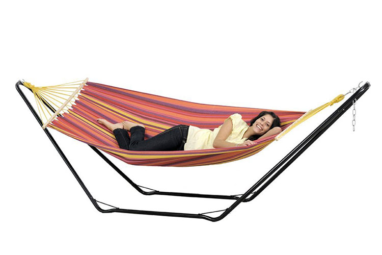 Traditional free-standing garden hammock n.03