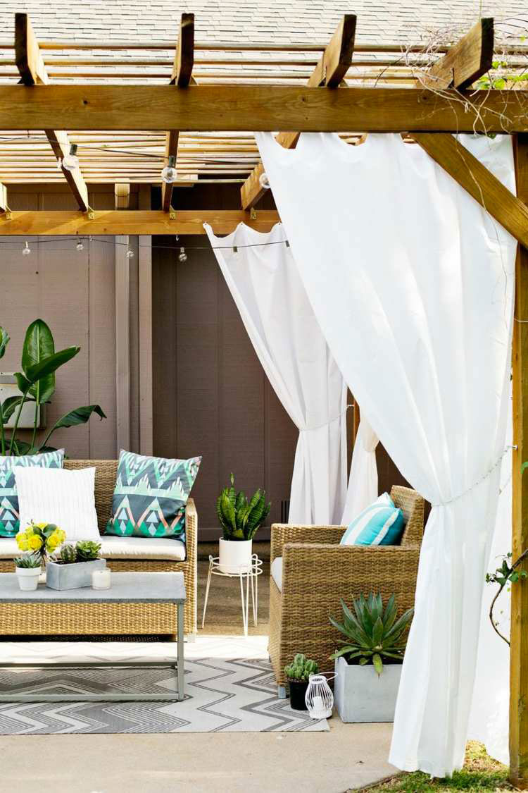 Ideas for embellishing a terrace with pergolas n.3