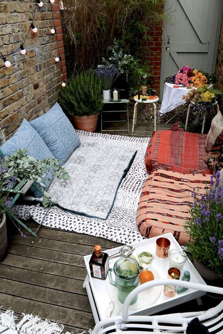 Ideas for embellishing a terrace with n.2 fabrics