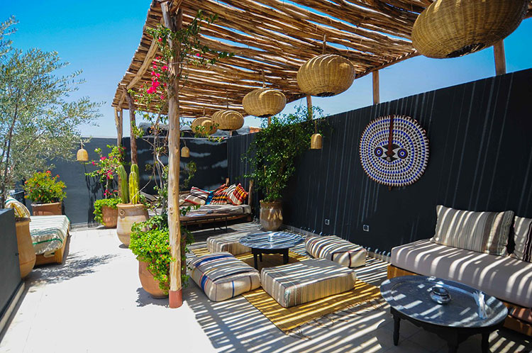 Ideas for embellishing a terrace with pergolas n.6