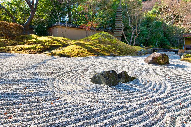 Foto del giardino zen in stile giapponese n.01