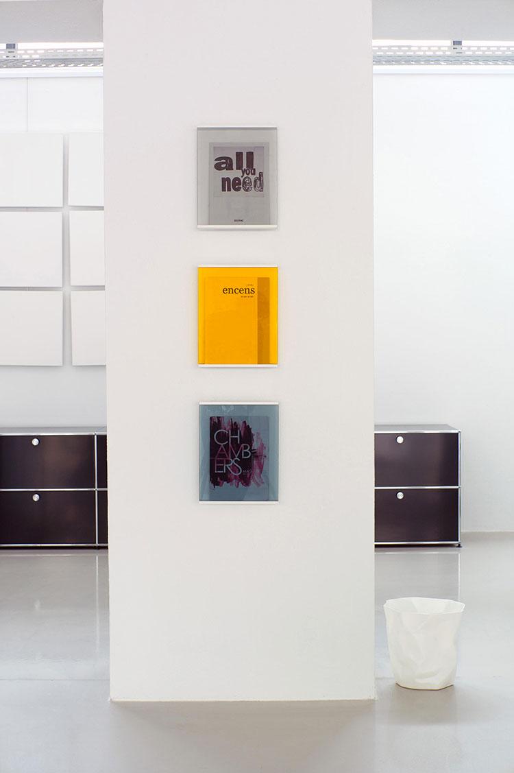 Modern design wall magazine rack model n.04