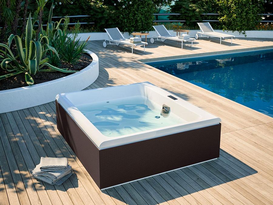 Glass 1989 hot tub model n.4