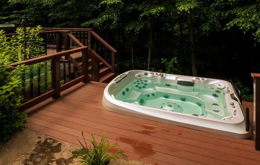 Outdoor whirlpool bath n.06