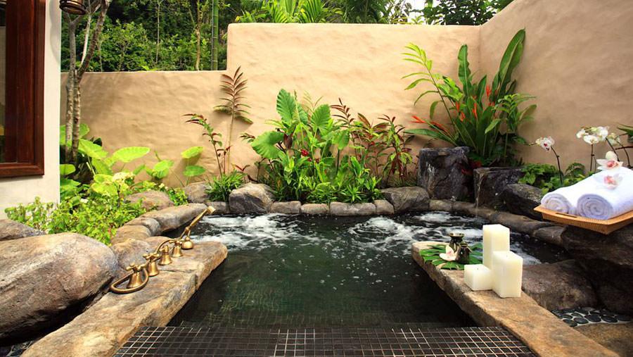 Outdoor whirlpool tub n.03