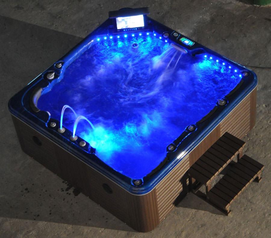 Outdoor whirlpool tub n.24