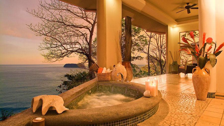 Outdoor whirlpool bath n.16