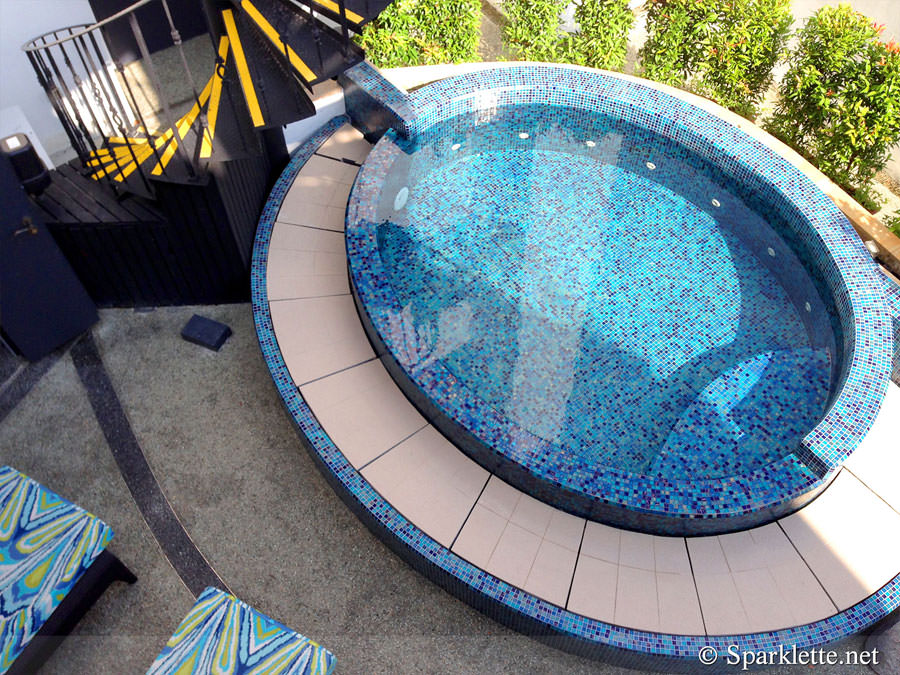 Outdoor whirlpool bath n.14