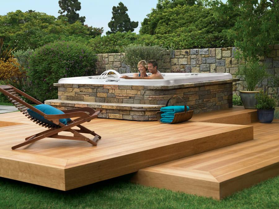 Outdoor whirlpool tub n.25
