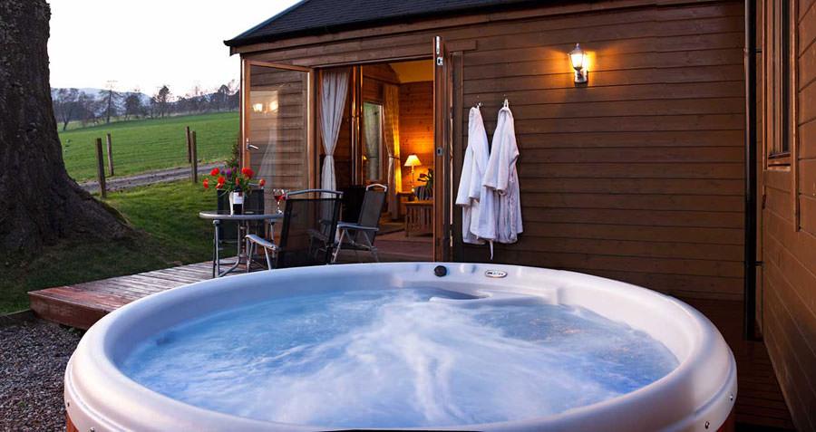 Outdoor whirlpool tub n.21