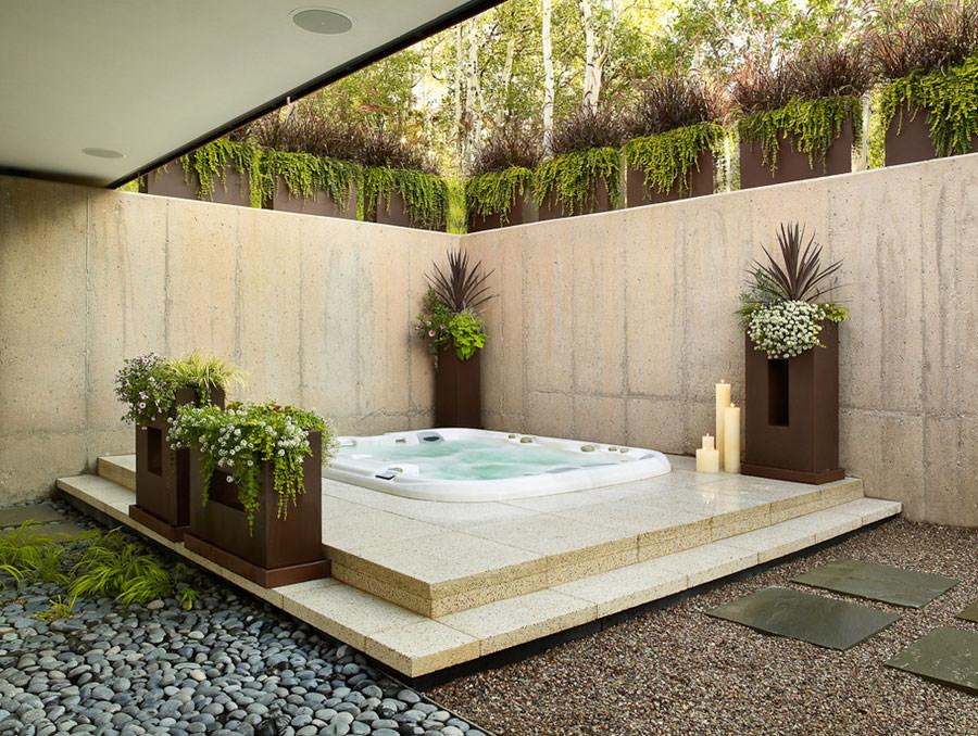 Outdoor whirlpool tub n.23
