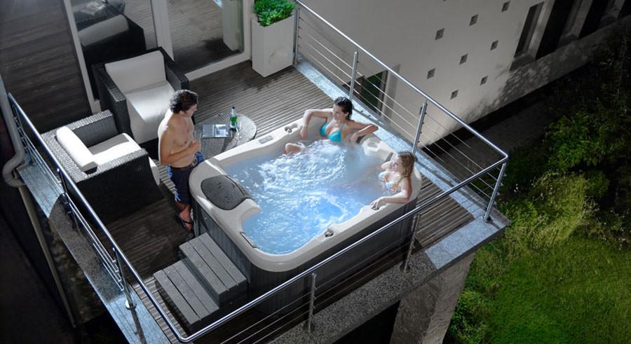 Outdoor whirlpool tub n.27