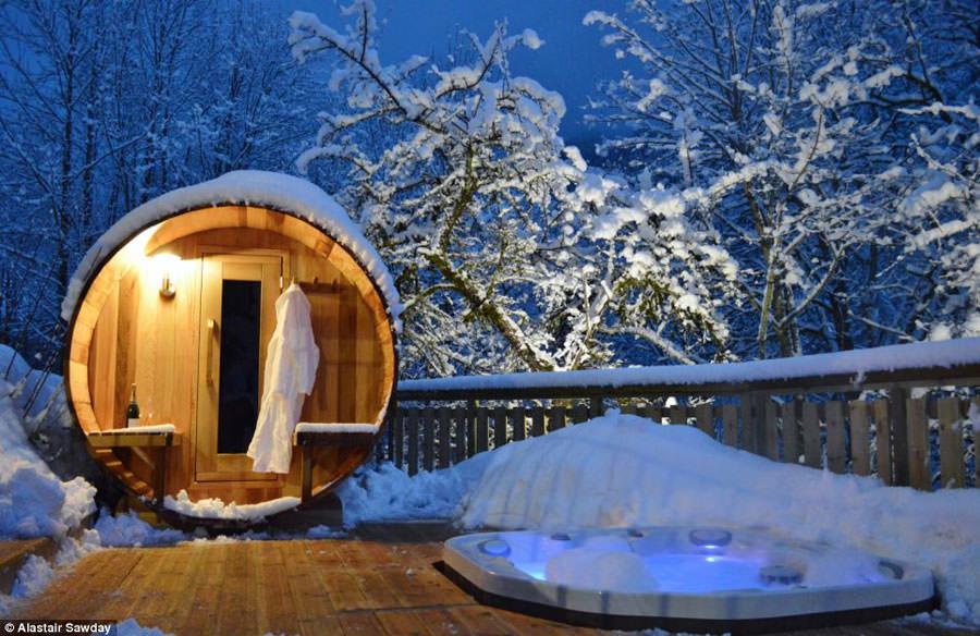 Outdoor whirlpool tub n.22