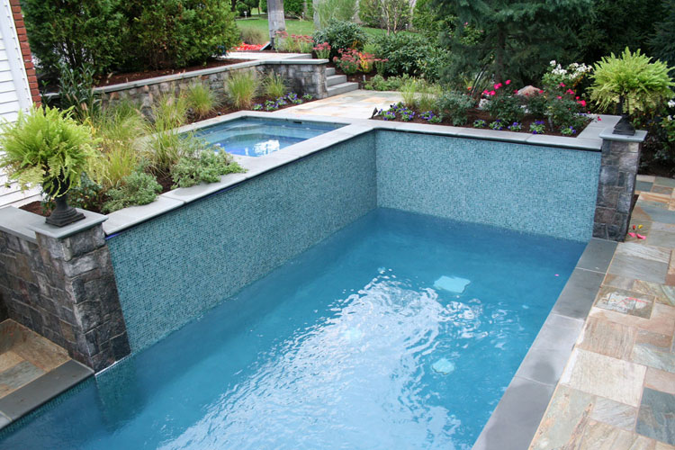 Photo of the small indoor pool n.08