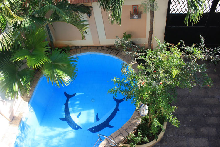 Photo of the small indoor pool n.20