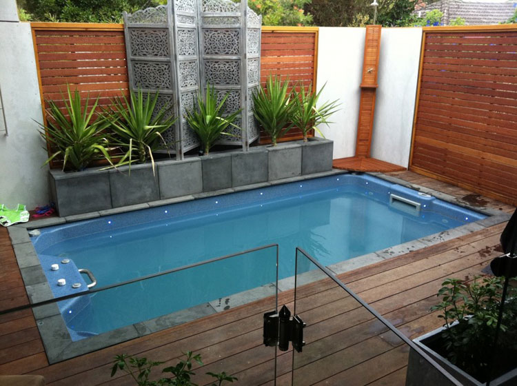 Photo of the small underground pool n.44