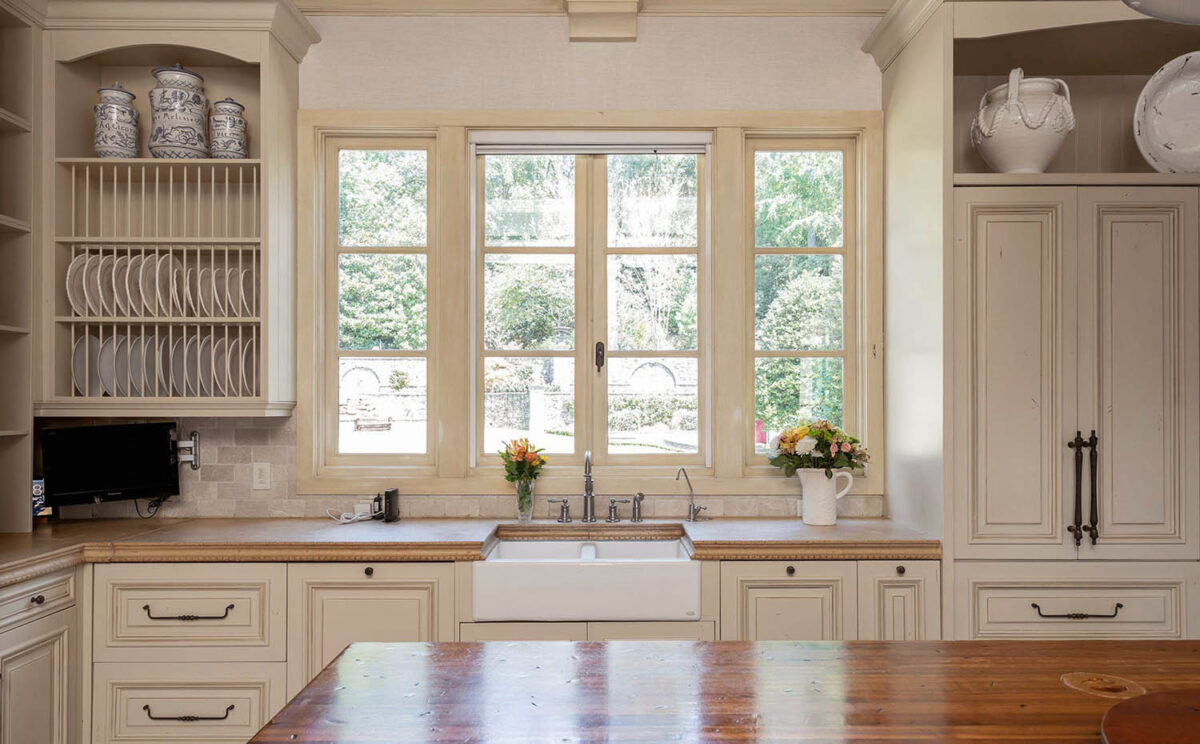 kitchen-sand-colored-walls-12