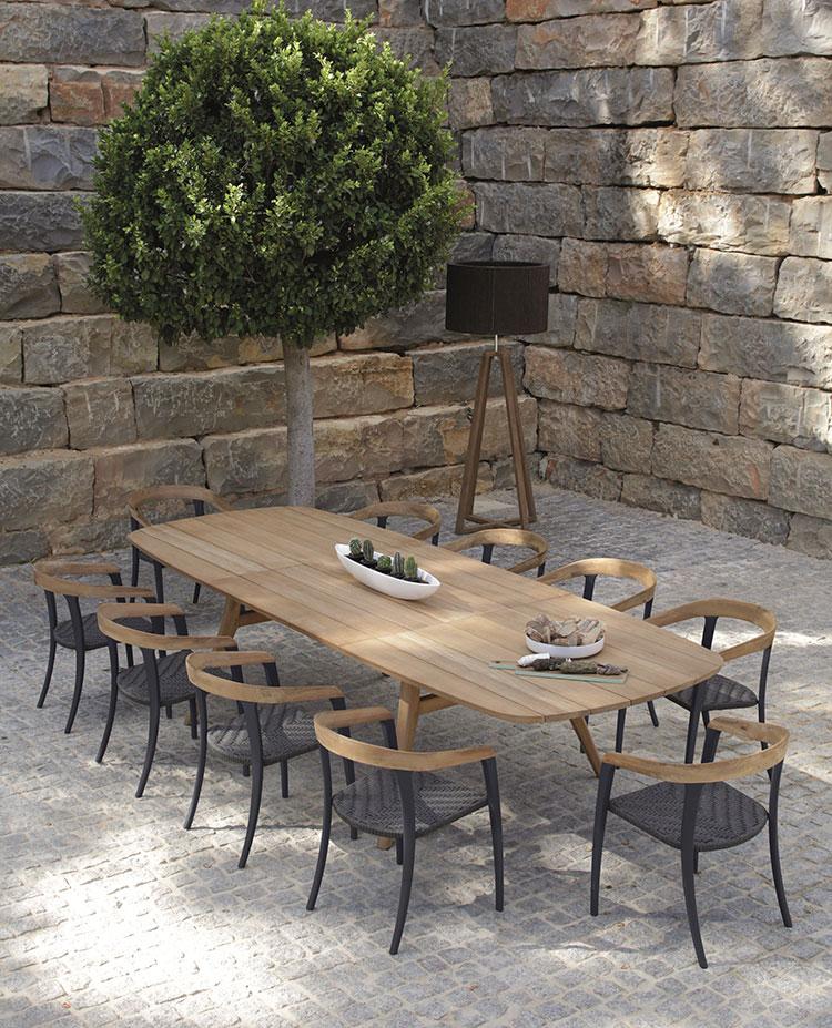 Extendable wooden garden table model n.06