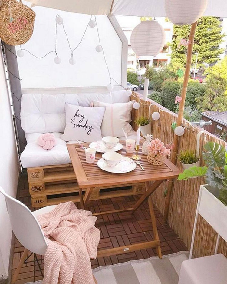 Ideas for decorating a small balcony n.17