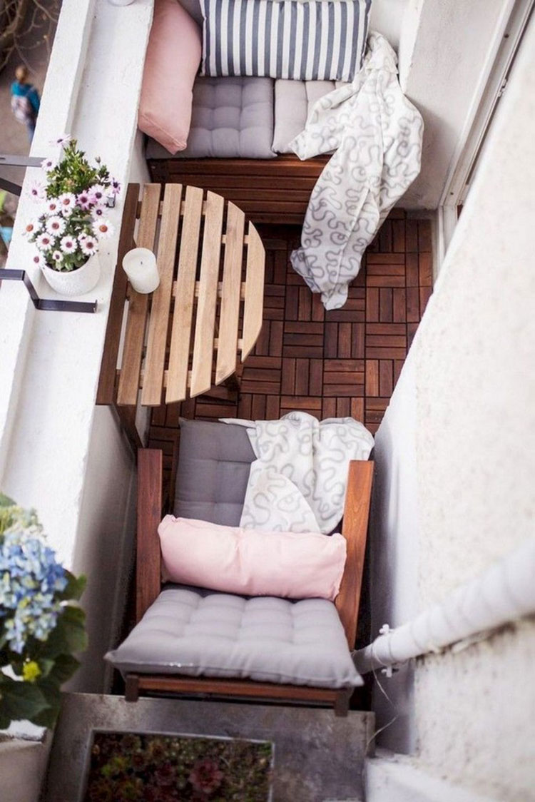 Ideas for decorating a small balcony n.12