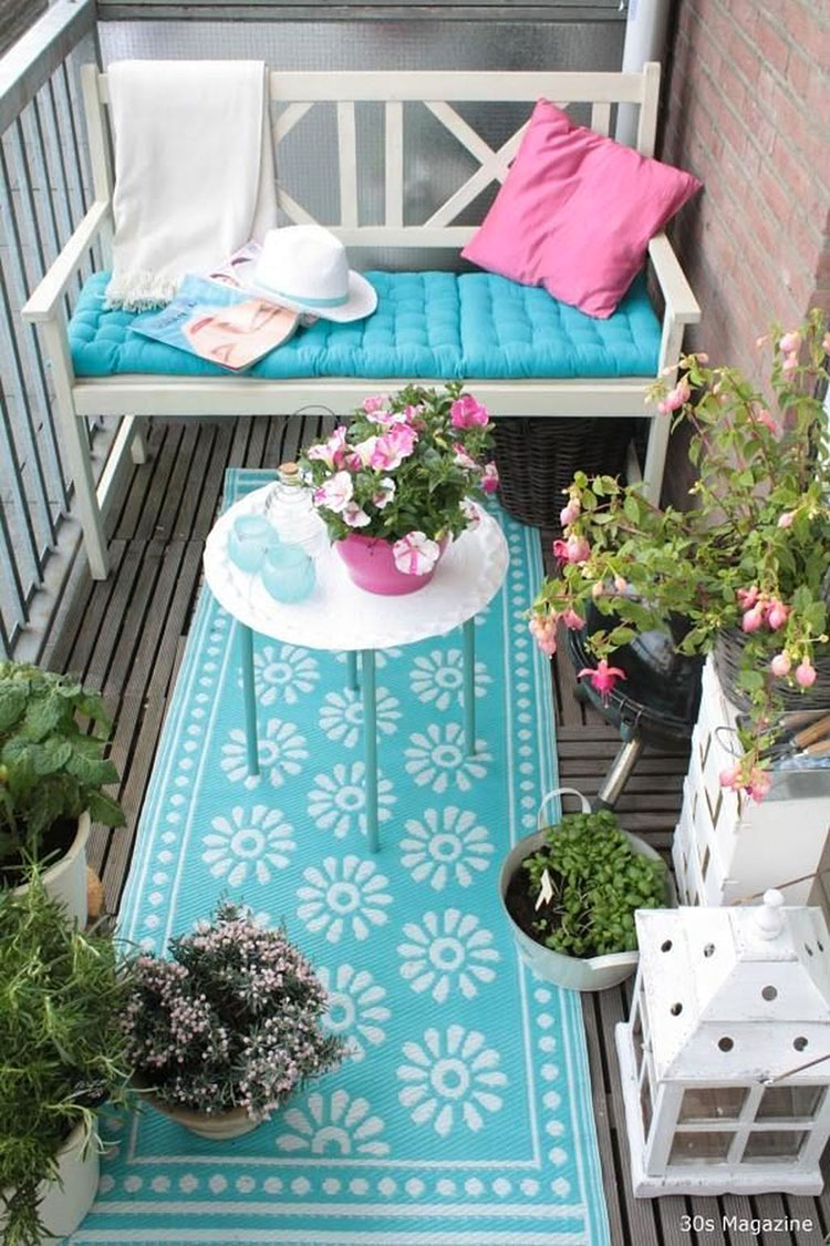 Ideas for decorating a small balcony n.29