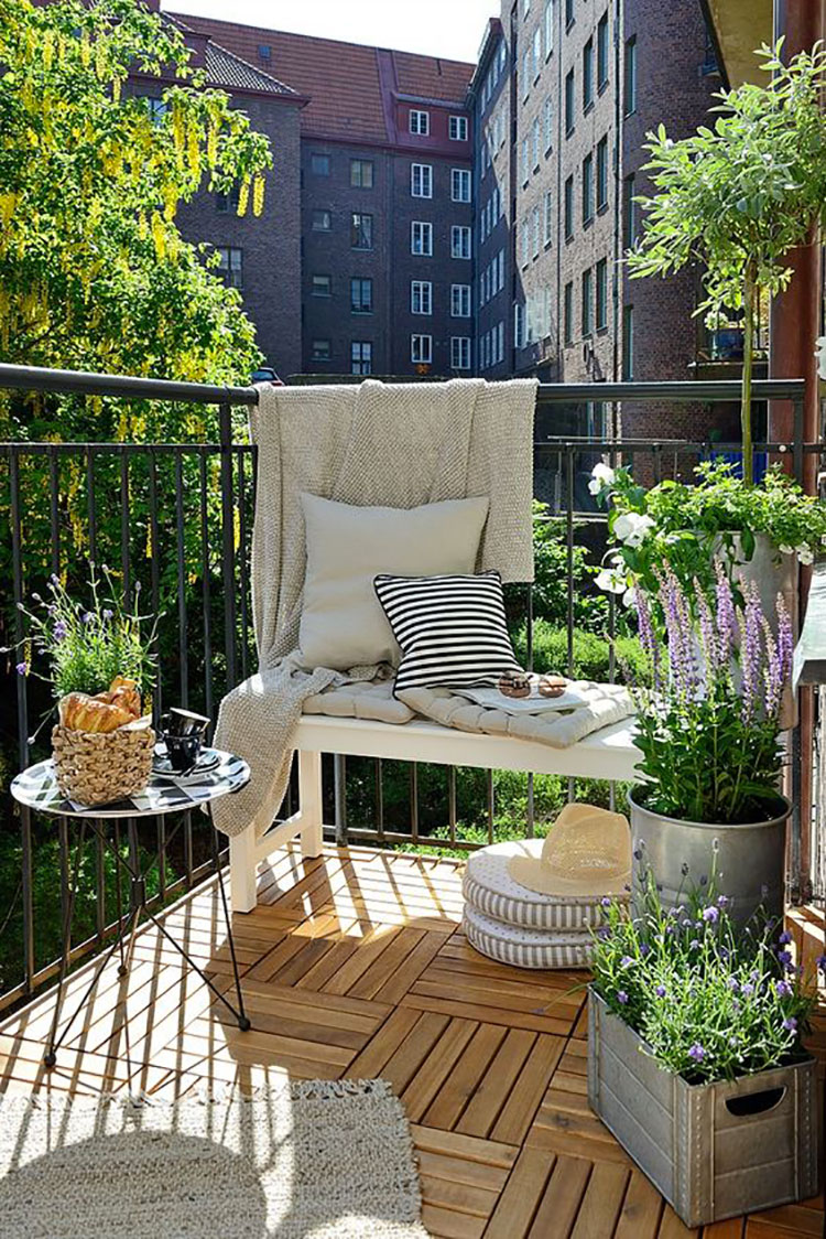 Ideas for decorating a small balcony n.27