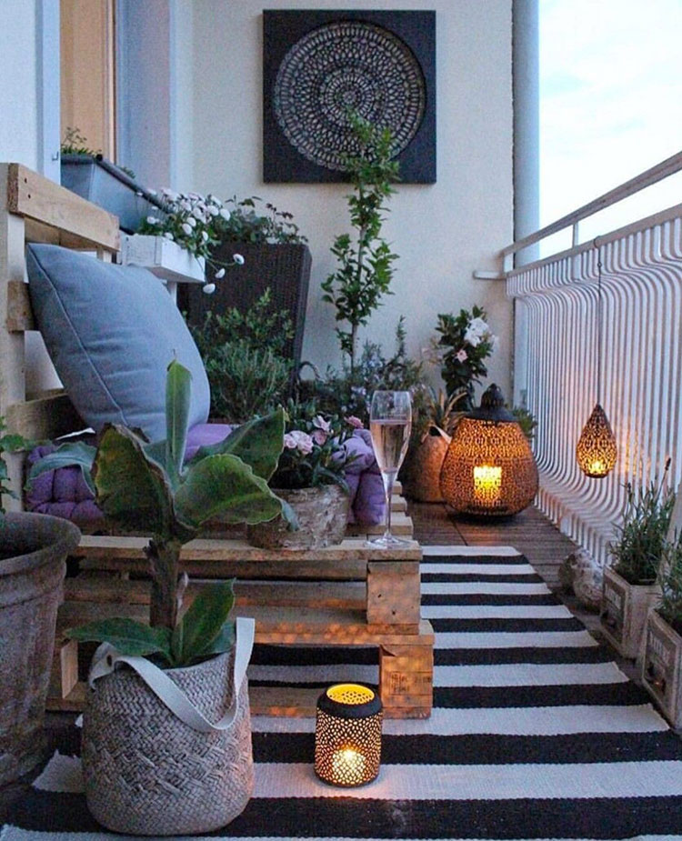 Ideas for decorating a small balcony n.28