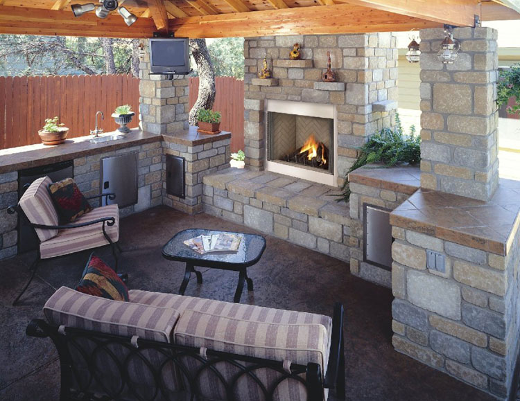 Photo of the garden fireplace n.03